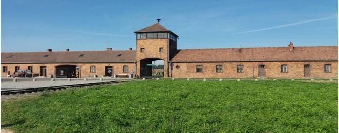 Η Πύλη του Auschwitz Birkenau