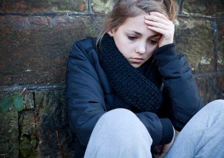 Το άγχος μας κάνει νευρικούς, θλιμμένους και απόμακρους.