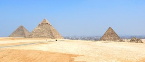 Great_Pyramids_Giza_03