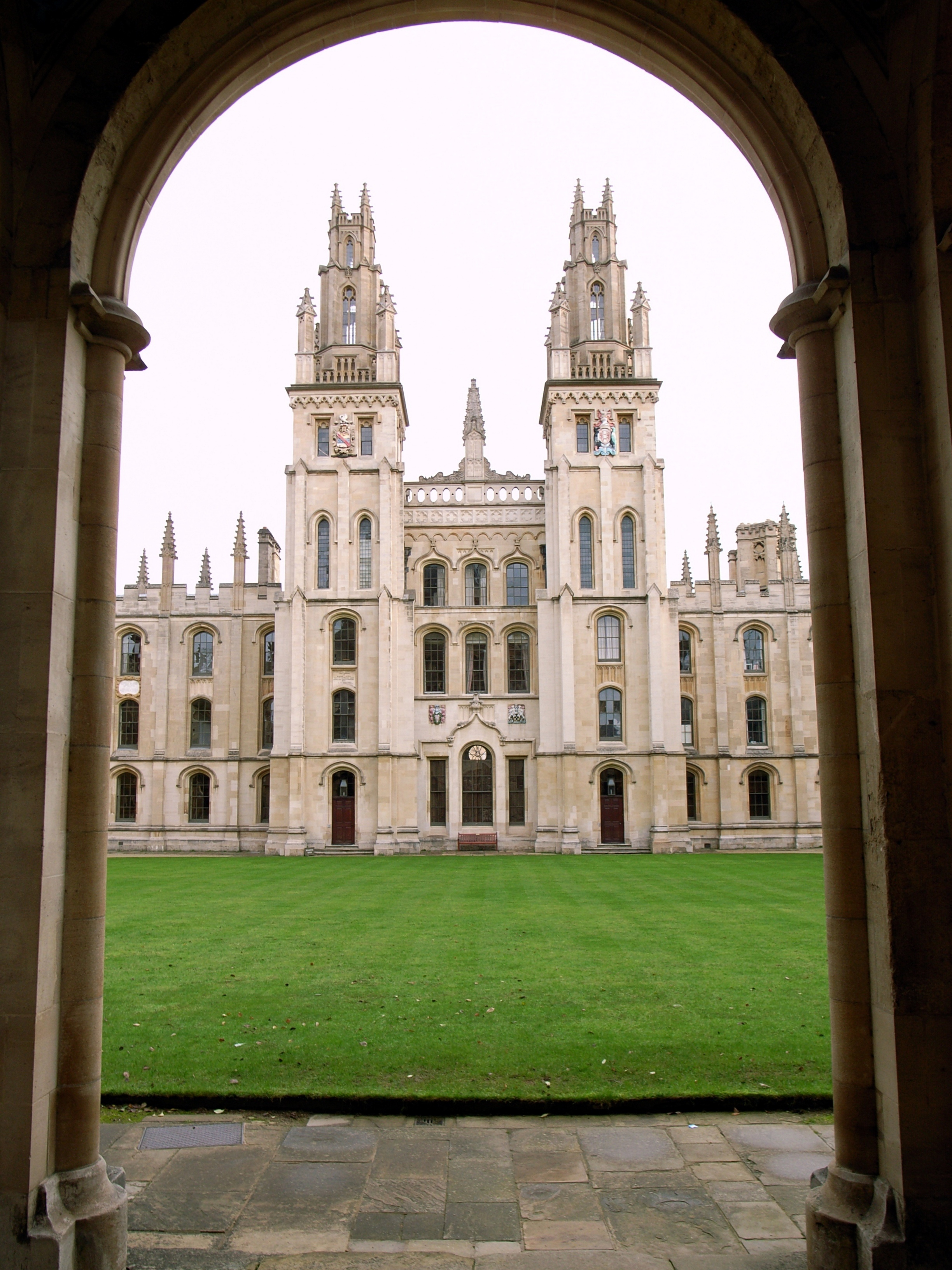 Oxford_University_Colleges-All_Souls1