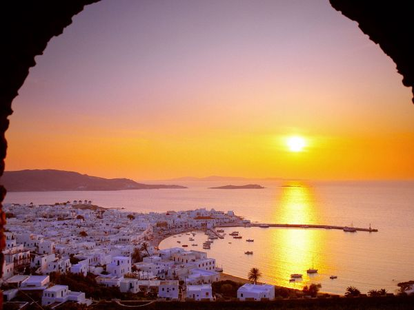The_Cyclades_Islands_at_Sundown_Greece
