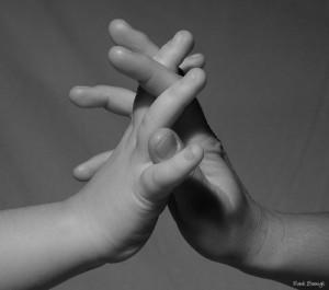 20051217212657_hands_friends