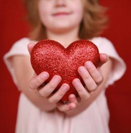 article_show_child_charity_giving_heart